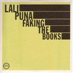 Foto von Faking The Books
